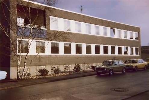 1975 new building at the B7