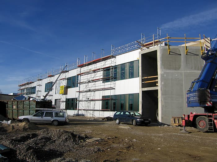 2006 Construction of a new production hall with logistic center